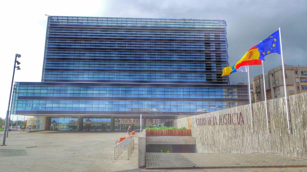 La sentencia fue dictada por la Sección Segunda de la Audiencia de Las Palmas, cuya sede está en la Cide la Justicia de la capital grancanaria. DA