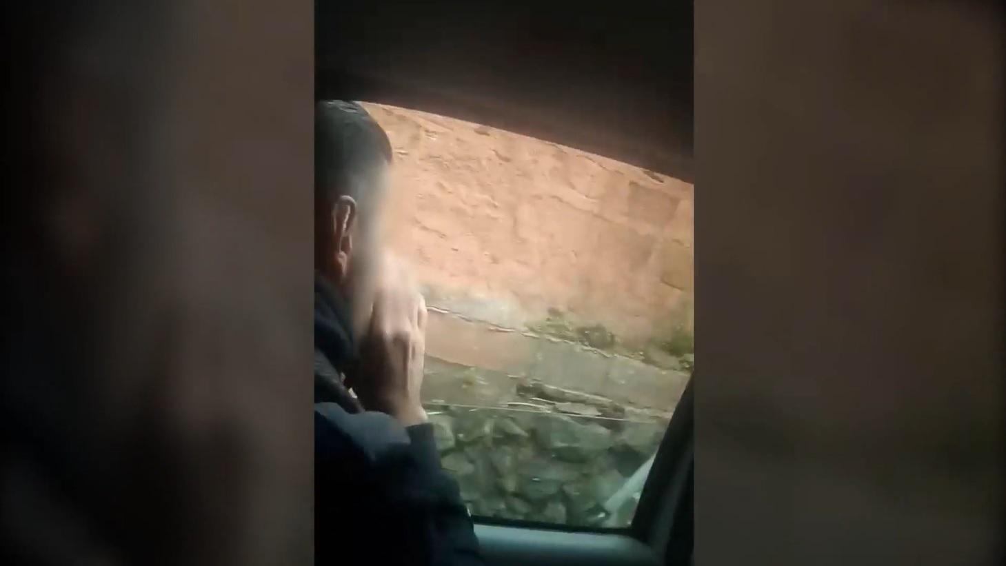 """""""¡Estamos infectados!""""; unos jóvenes de Tenerife insultan desde un coche a sus vecinos durante el estado de alarma"""