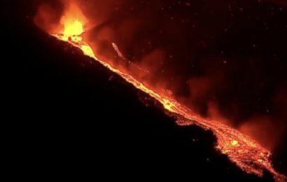 La lava de las nuevas bocas del volcán es más líquida y avanza con mucha rapidez