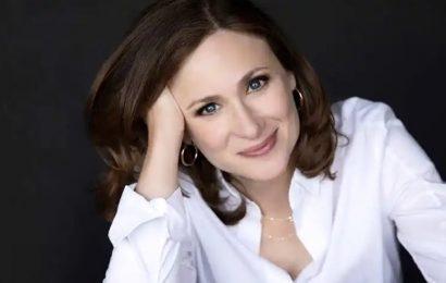 """La escritora Abigail Shrier pide a los padres españoles """"alejar a sus hijos de la ley trans"""""""