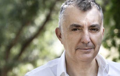 """Manuel Vilas, Poeta y escritor: """"Los ricos se divorcian más porque son más libres"""""""