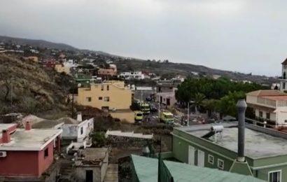 Las coladas de lava siguen su avance y ya llegaron al núcleo urbano de Todoque