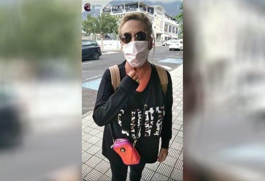 Tensa discusión entre un voluntario de la erupción de La Palma y Lydia Lozano