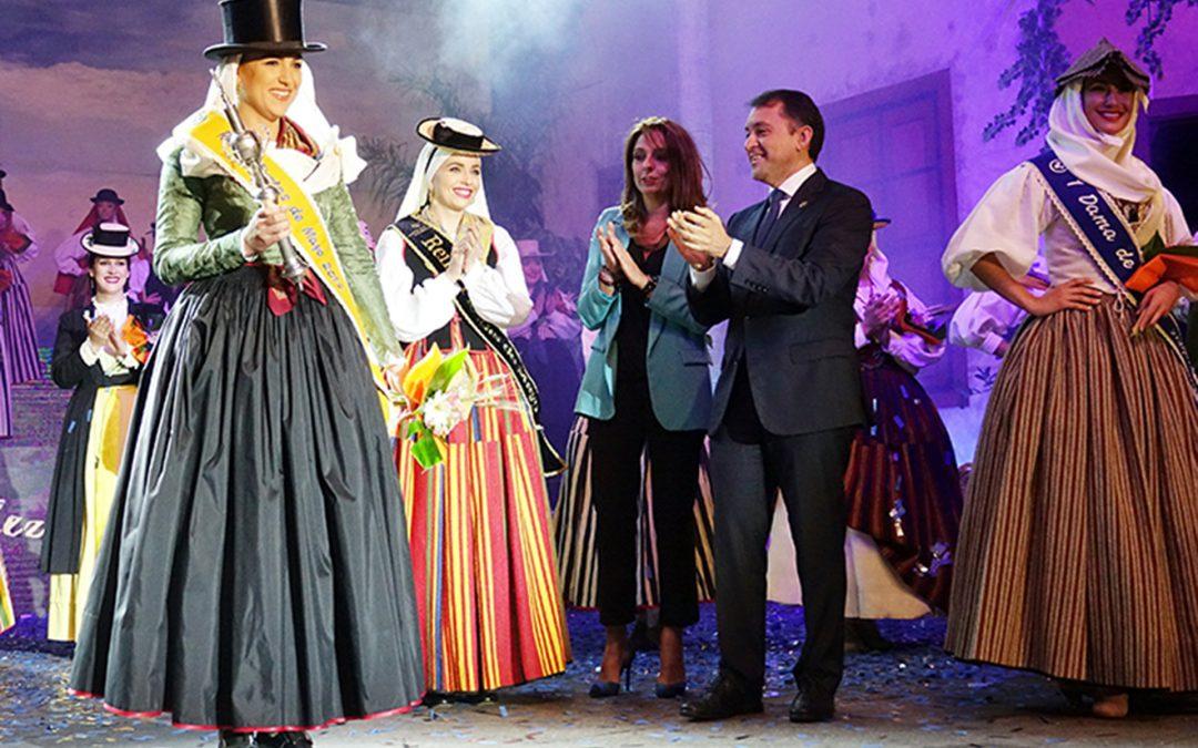 Andrea Fernández, nueva Reina de las Fiestas de Mayo de Santa Cruz