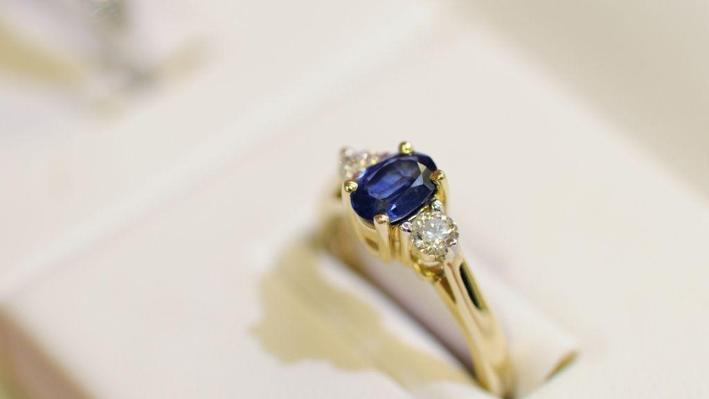 Altas creaciones en zafiro azul