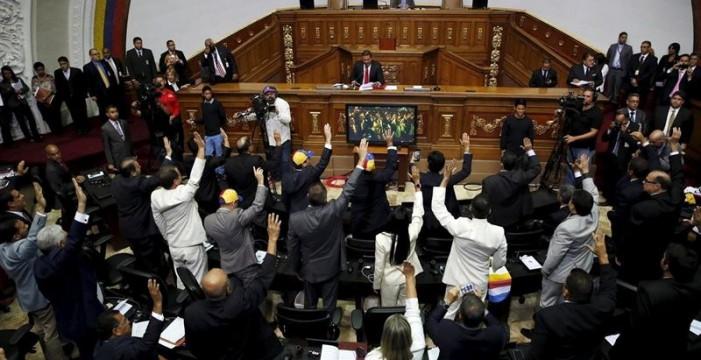 La Asamblea Nacional opositora elige el Consejo Nacional Electoral para convocar y organizar elecciones