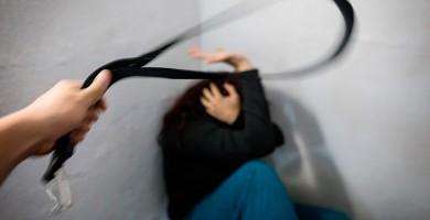 Detenido un hombre por agarrar del cuello y zarandear a su expareja tras romper con él