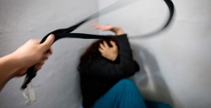 El parlamento ruso prentende que pegar a la mujer una vez al año no sea delito