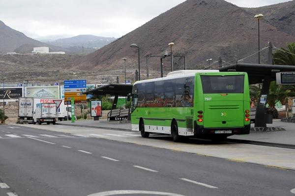 El gobierno aprueba una ayuda de 25 millones al transporte for Empresas de transporte en tenerife