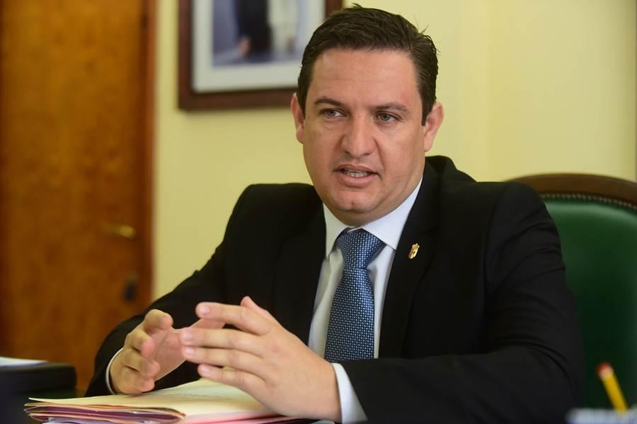 Resultado de imagen de alcalde de arona