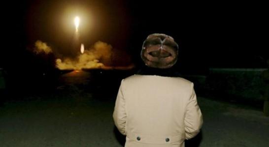 Corea del Norte lanza un misil submarino en el mar Oriental