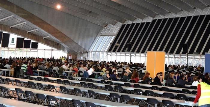 Gobierno y sindicatos pactan convocar más de 20.000 plazas de docentes