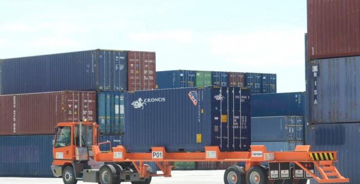 El Gobierno mejora las ayudas al transporte de mercancías en Canarias