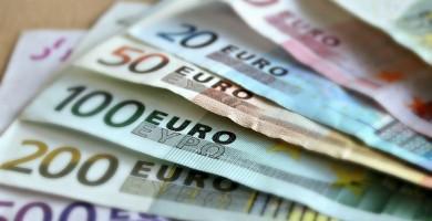 Condenado a tres años de cárcel por estafa con billetes falsificados