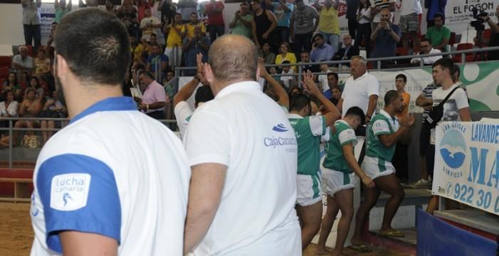 Tenerife revalida el campeonato en una amarga jornada en la que perdió la lucha canaria