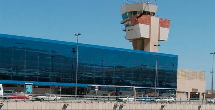 Fomento pide a las aerolíneas que bajen el precio de los billetes