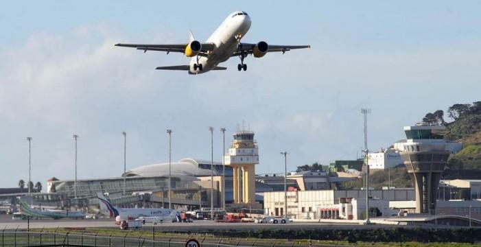 Diez divertidas anécdotas de aeropuertos y… sí, hay un clásico en Canarias