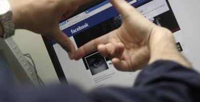Investigan a dos menores en el Puerto de la Cruz por injuriar a un compañero en redes sociales
