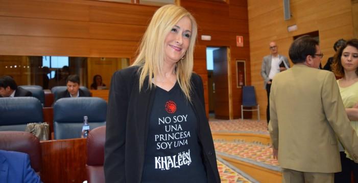 El Gobierno de Madrid, pendiente de un hilo por la presunta falsificación de las notas de Cifuentes