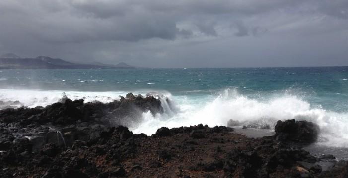 Aviso amarillo por fenómenos costeros en toda Canarias