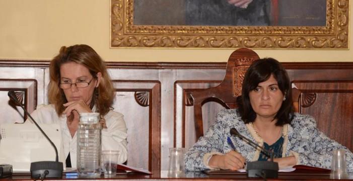 La secretaria del Ayuntamiento denuncia al Gobierno municipal PP-CC