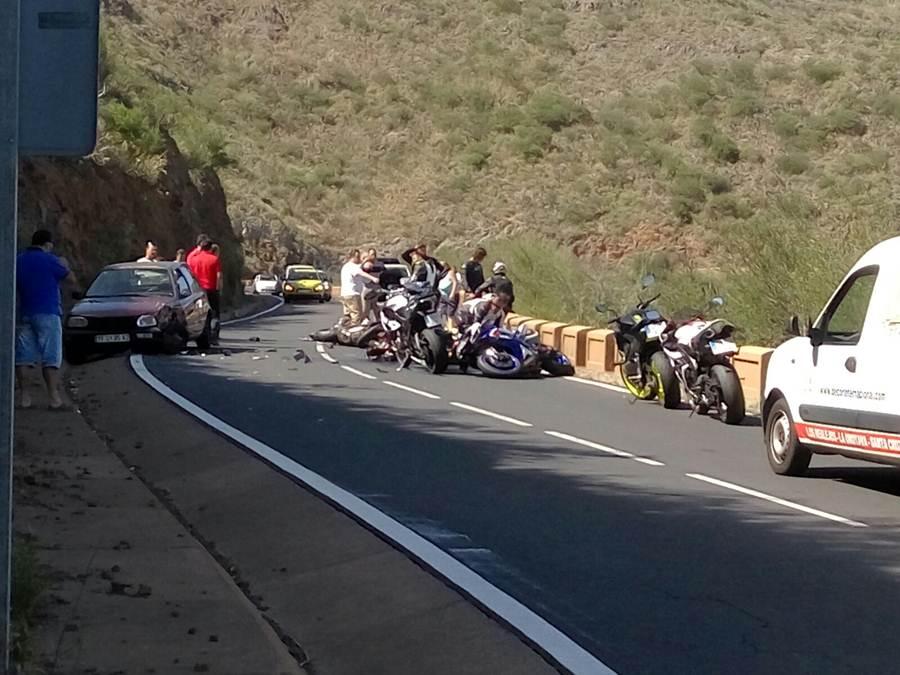 Una herida grave al caer con una moto en el sur de Tenerife