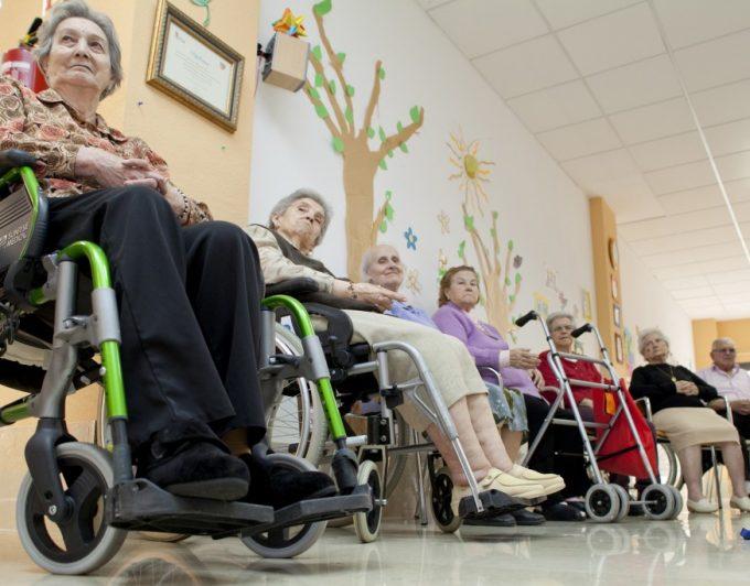 Faltan 7.364 plazas para mayores en Canarias