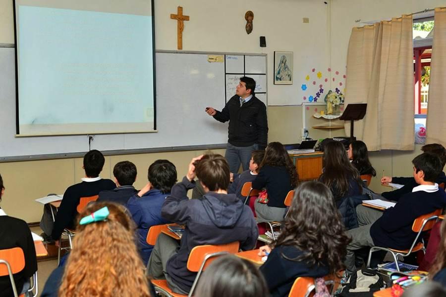 La asignatura de Religión es optativa, pero la mayor parte de los colegios del Archipiélago la imparten y la mayoría de las familias optan por matricular a sus hijos. DA