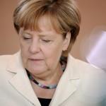 Angela Merkel, en una reunión de Gabinete en Berlín | FOTO: REUTERS/Stefanie Loos