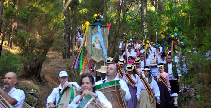 El municipio celebra el sábado la popular Bajada de Las Hayas