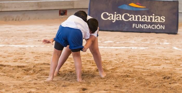 El décimo Campus de Lucha Canaria de CajaCanarias abre su plazo de inscripción