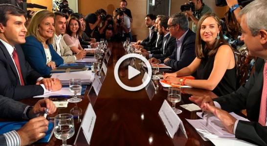 Dos horas de reunión para acordar los términos de la regeneración democrática