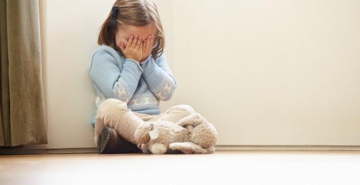 Rescatan a una niña maltratada que creía que se llamaba 'Idiota'