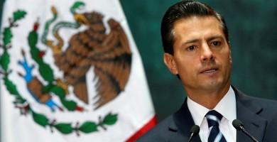 Peña Nieto habría plagiado casi el 30% de su tesis