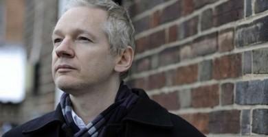 Assange asegura que su oferta de ser extraditado a Estados Unidos sigue en pie