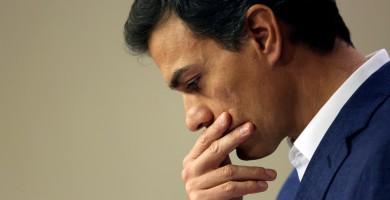 Sánchez comparece ante los medios en el Congreso para anunciar la renuncia a su acta y su candidatura al próximo Congreso