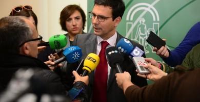 Un juez investiga al alcalde de Granada por usurpación de funciones públicas