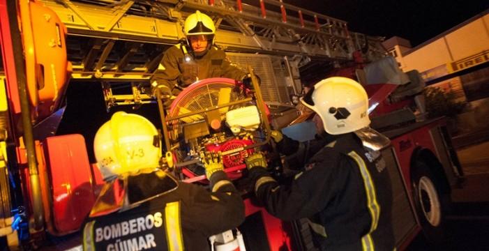 Un escape de amoníaco obliga a evacuar la fábrica de Kalise en el polígono de Güímar