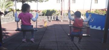 Dos madres claman por una cuidadora escolar para sus hijos con 'piel de mariposa'