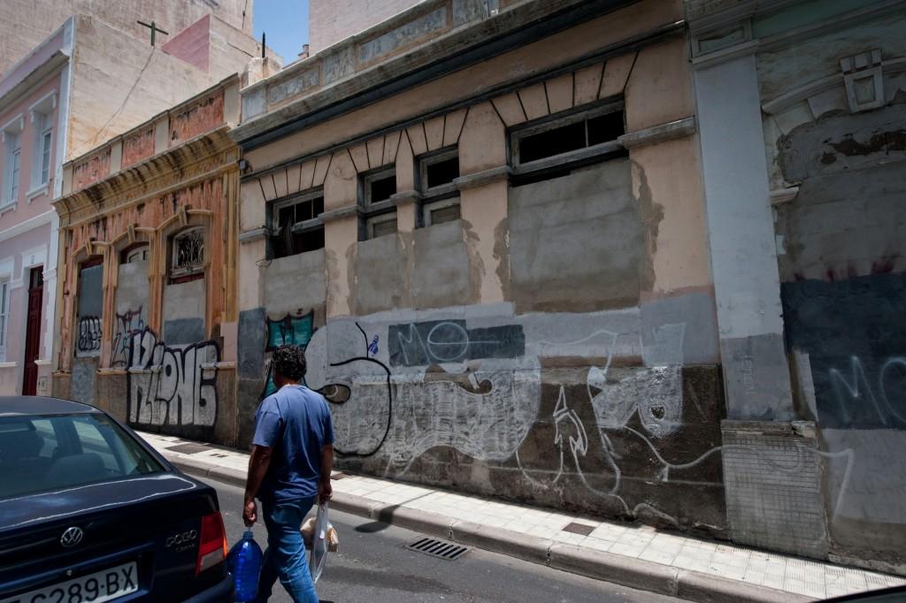 Garcinuño recuerda que la falta de un Plan Especial no impide a los propietarios hacer el mantenimiento de sus viviendas. / F. P.