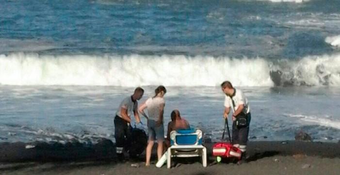 Dramático rescate de una mujer en Playa Jardín
