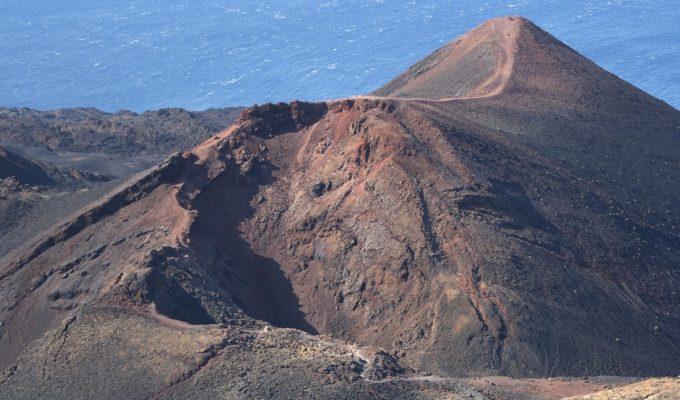 La Isla da los primeros pasos en favor de la transición energética