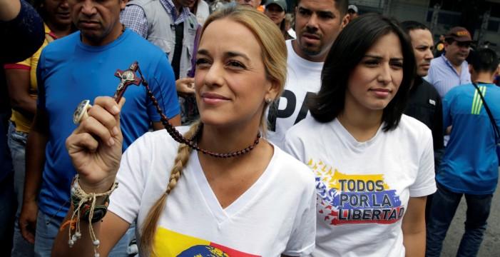 López fue liberado un día después de recibir la visita de su esposa Tintori