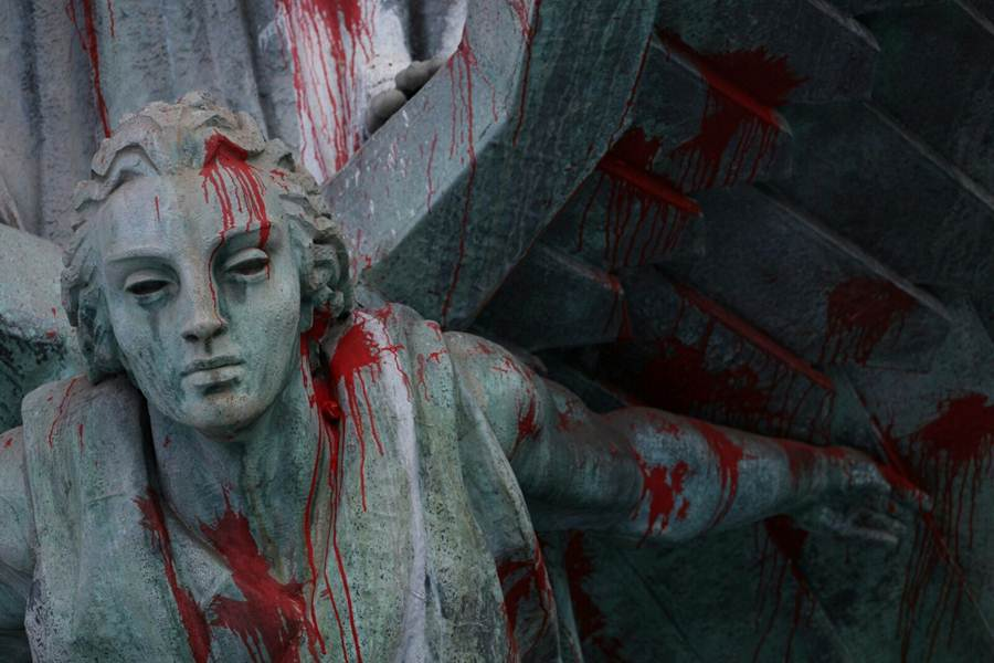 El monumento fue vandalizado a finales del pasado año. |  ANDRÉS GUTIÉRREZ