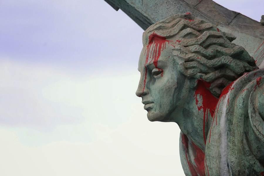 monumento a franco pintado 3