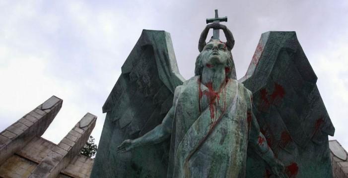 El Cabildo dice que el monumento a Franco es patrimonio y no lo quitará