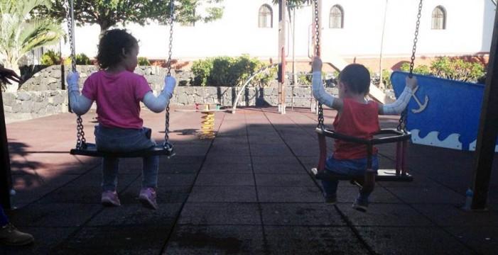Rocío y Asier, los niños con 'piel de mariposa', tendrán al fin dos cuidadoras escolares