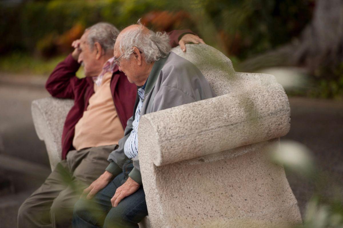 A la mayoría de los canarios les gustaría jubilarse a los 60 años | FRAN PALLERO