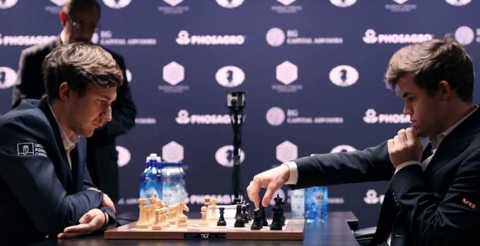 Carlsen retiene el cetro mundial de Ajedrez en el desempate