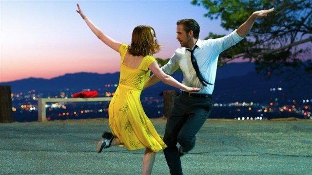 'La La Land', con un pleno histórico, arrasa en los Globos de Oro